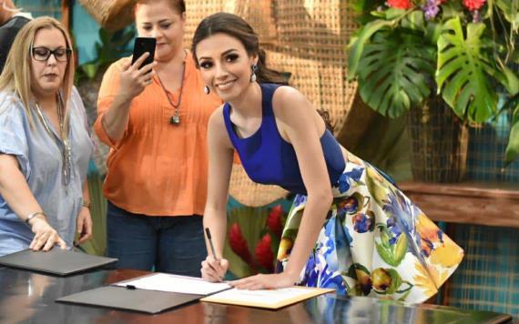 Rebeca Fernández se registra como representante de Paraíso