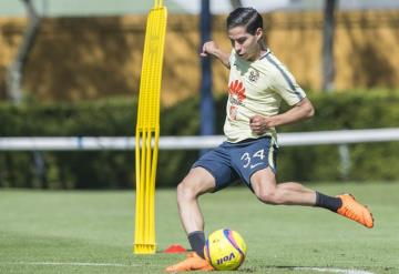 Diego Lainez será titular hoy frente a Puebla