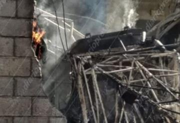 Se desploma avioneta y muere quemado el piloto