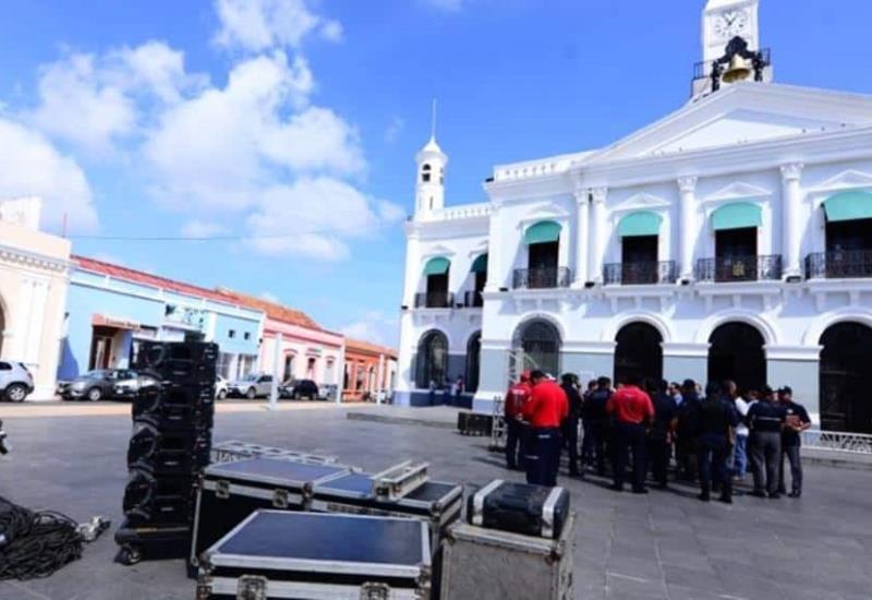 Inician preparativos en Plaza de Armas para recibir a AMLO este domingo