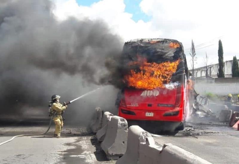 Tragedia en la Puebla-Orizaba, un muerto y más de 14 personas heridas