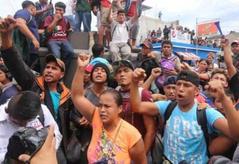 Violencia  y caos en cruce de migrantes a México