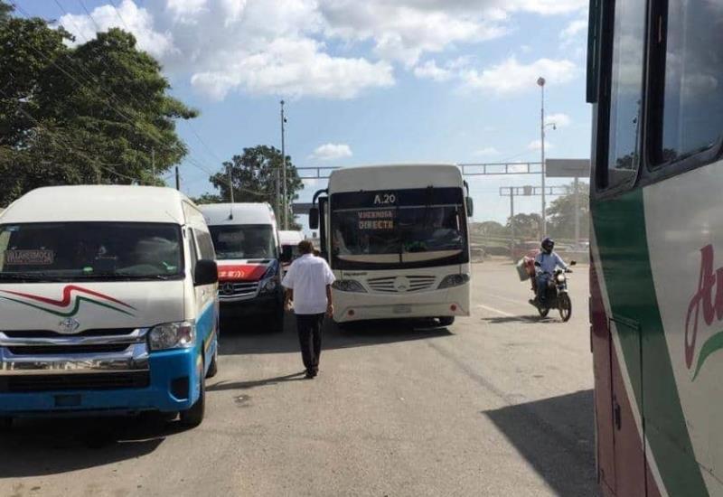 Crean parada provisional a las afueras de Villahermosa por caos vial  en la ciudad