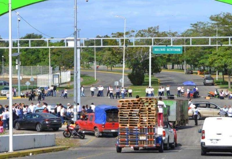 #AlertaVial #Fotogalería Bloqueado el puente Carrizal 4 y Puente los Monos