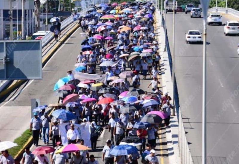 #Fotogalería Así luce Ruiz Cortines tras marcha de manifestantes