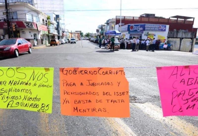 #FOTOGALERÍA Continúa bloqueo en 27 de febrero con Francisco Javier Mina