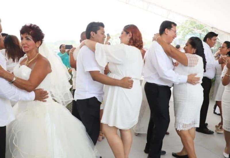 Así se vivió la boda colectiva en la Feria Tabasco 2019