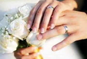 Novio abusa de dama de honor y la novia lo descubre; se casan