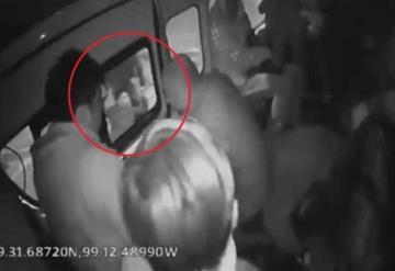Muere pasajero al frustrar asalto en una combi