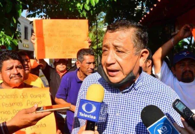 Ambulantes del Parque Juárez se manifiestan; piden apoyos del gobierno tras cierre del lugar