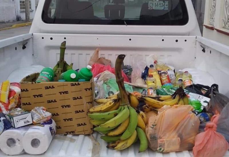 Productores de Sembrando Vida donan productos a personas necesitadas en Comalcalco