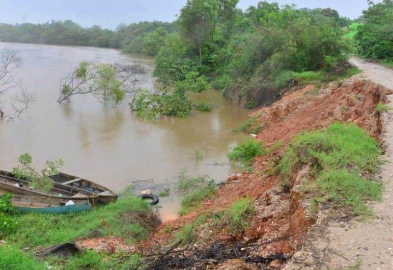 Se presentan hundimientos en bordes del río Grijalva, en Gaviotas Sur