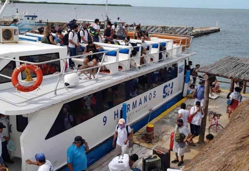 Evacuan Isla Holbox ante la inminente llegada del Huracán Delta