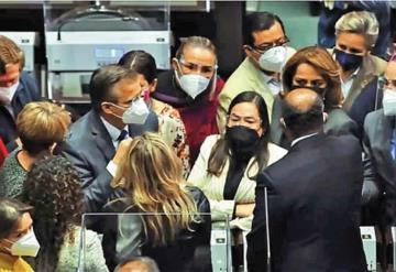 Aprueban reformas; Hacienda operará recursos de Salud