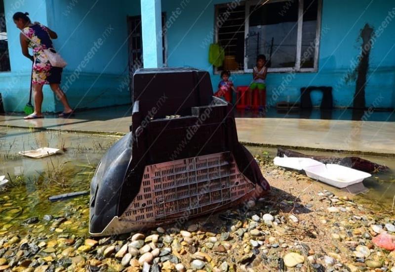 Habitantes de Gaviotas Sur realizan limpiezas en sus hogares y negocios